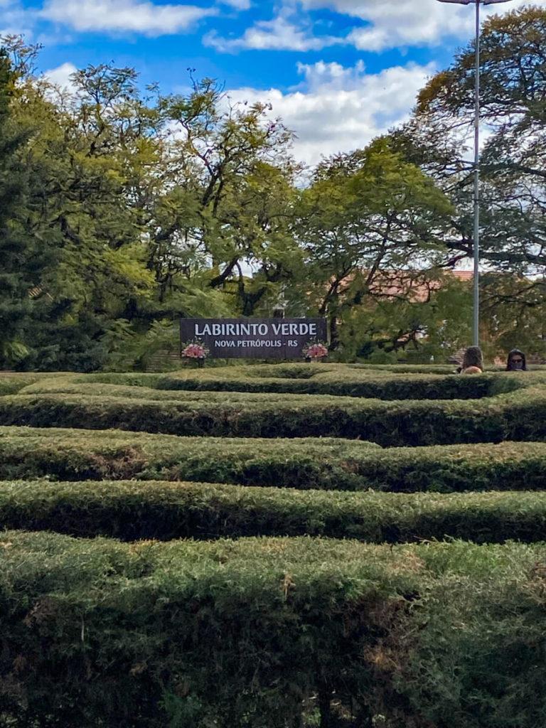 Nova Petrópolis tem um Labirinto Verde na praça da cidade